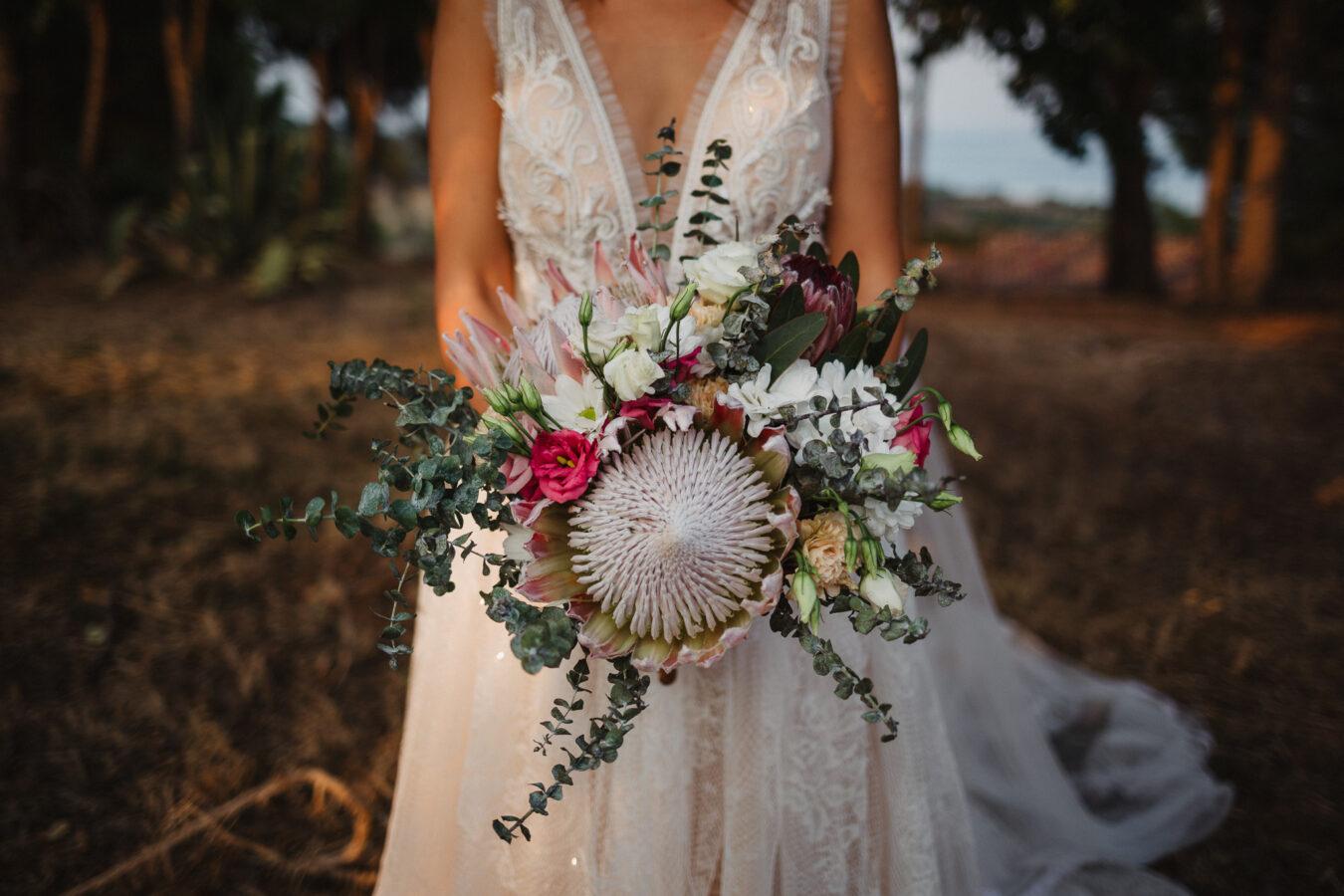bouquet protea eucalipto